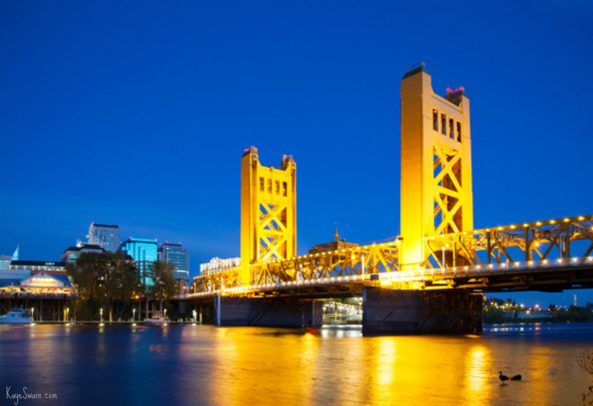golden-bridge-of-welcome-to-Sacramento-CA-via-REALTOR-Kaye-Swain-in-Roseville-CA