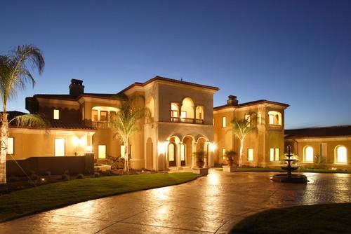 Kaye Swain Roseville Real Estate Agent Sharing Luxury