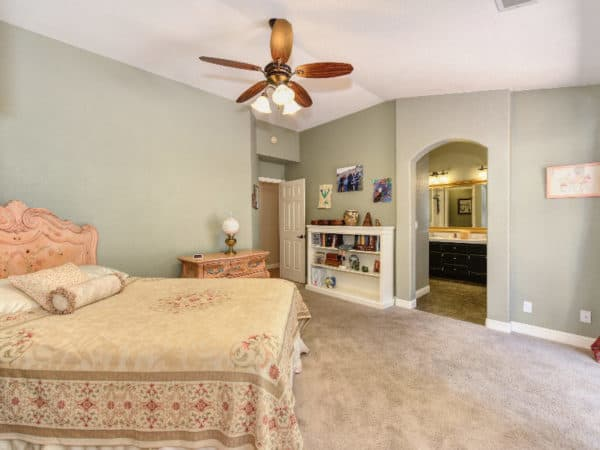 boomers seniors Master bed bath suite 1006 Killarney Street West Roseville Kaye Swain REALTOR 916 768 0127