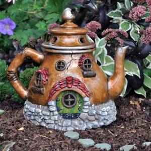 I love this fairy garden teapot-perfect for a garden tea near the Puget Sound in Pierce County Washington - near Sylvan Park and Wards Lake Park