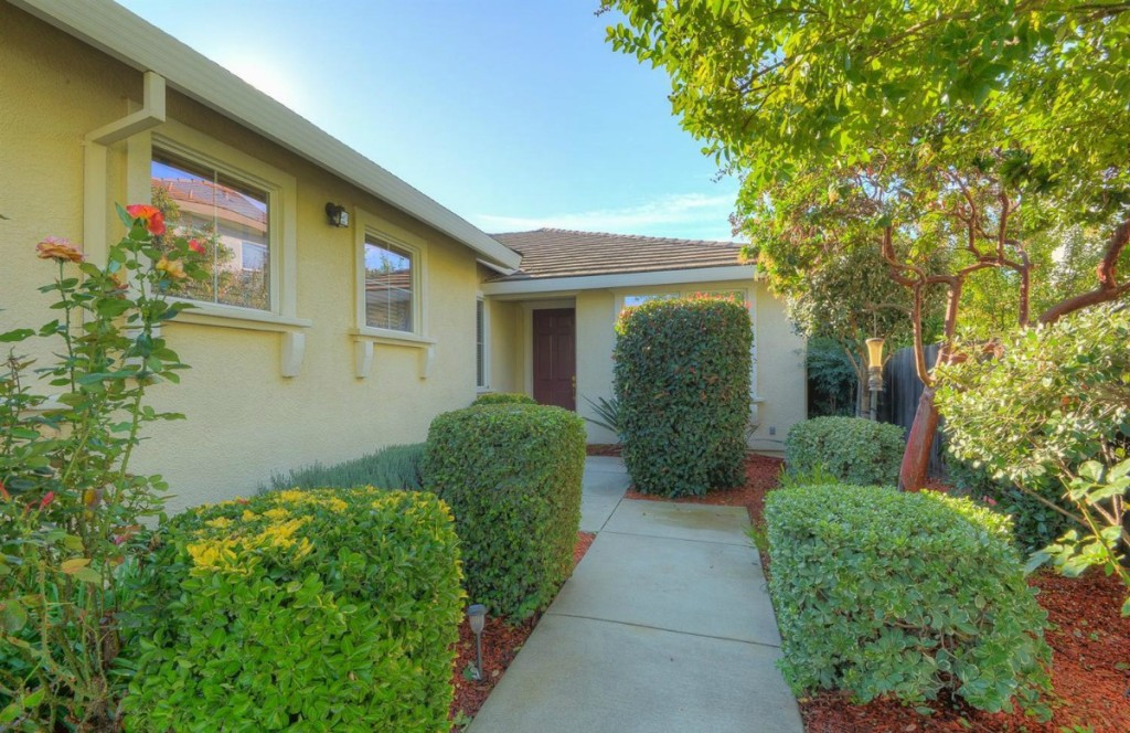 Kaye Swain Sacramento area REALTOR sharing 2621 Rogue Way West Roseville CA 95747 front door