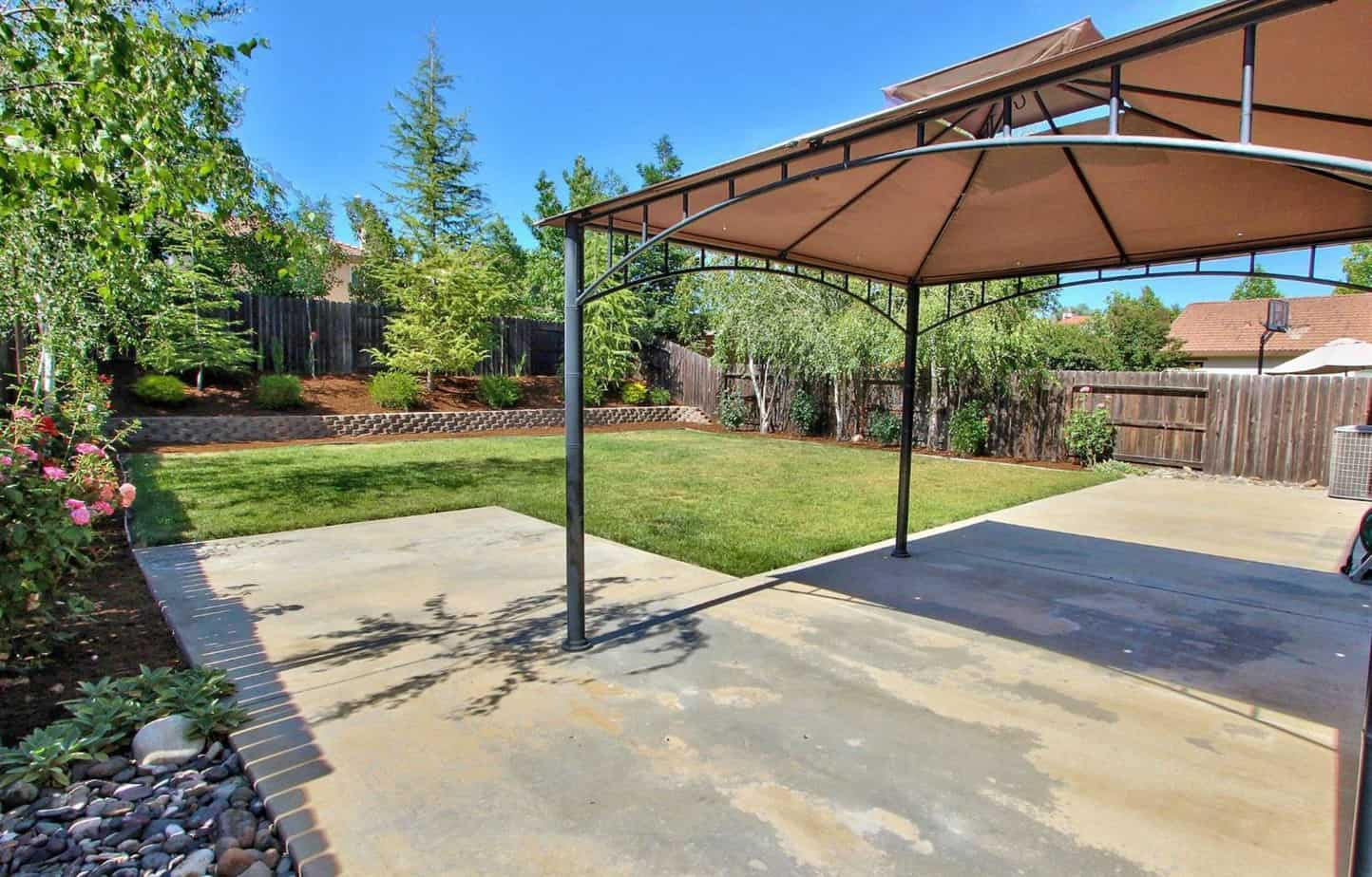 r Roseville Real Estate Agent Kaye Swain shares MLS 16034679 house for sale in Lincoln California large backyard
