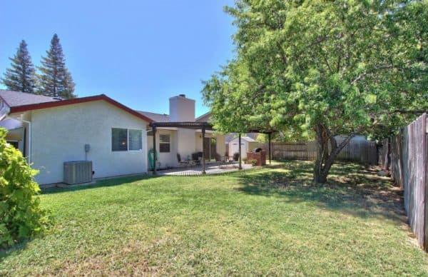 Kaye Swain real estate West Roseville CA opposite side back yard a