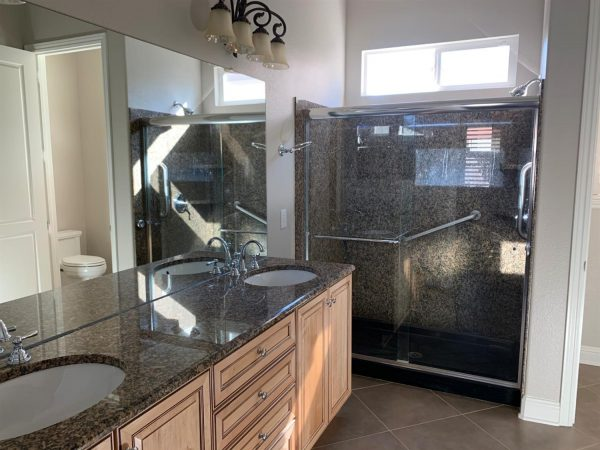 2 sinks walk in shower master 2240 Benton Loop, Roseville