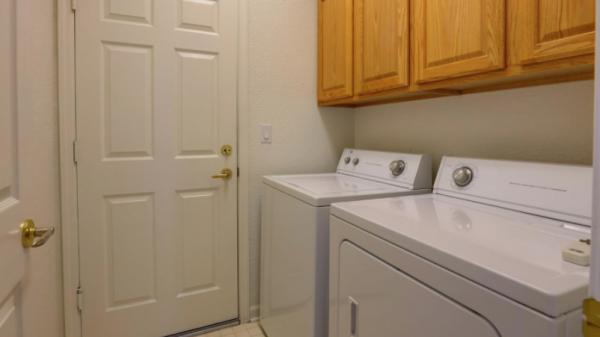 Virtual Open House Tours Sun City via 55+ REALTOR Kaye Swain laundry room Sun City Roseville 2