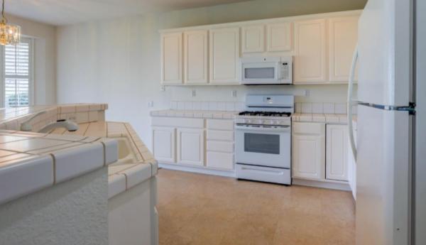 Virtual Open House Tours Sun City via Kaye Swain REALTOR Del Webb Sun City Roseville Kitchen stove