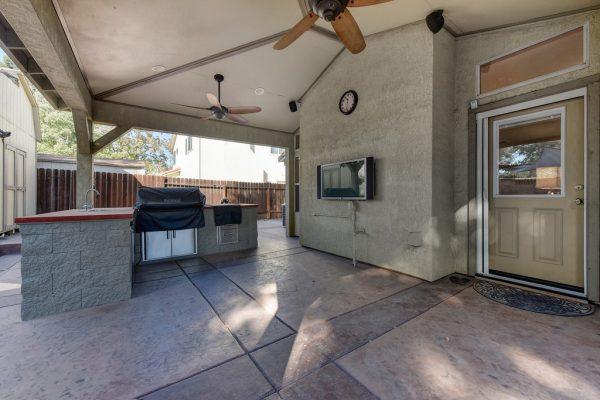 Outside at Roseville REALTOR Kaye Swain Virtual Open House Roseville CA