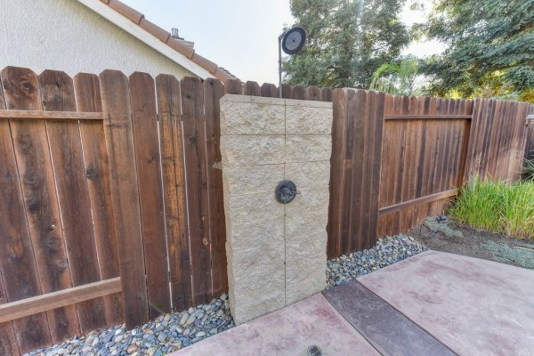 houses sale roseville california with spa